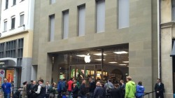 10926_suissse-quelques-photos-de-l-ouverture-de-l-apple-store-de-bale