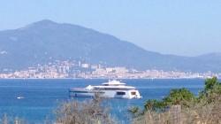 11495_l-image-du-jour-la-yacht-de-steve-jobs-se-balade-en-corse-maj-x3
