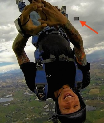 rotated-skydiver-iphone-lost-610x721