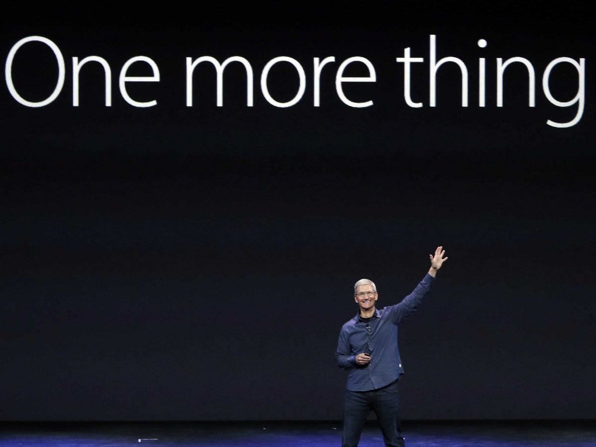 apple-tim-cook-iphone-iwatch-product-launch-13