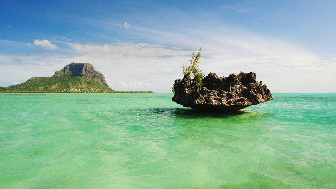 MauritiusLagoon_1366x768