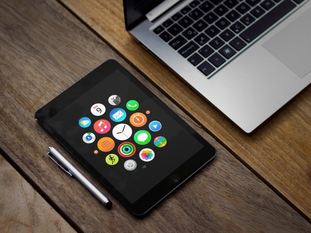 th_Apple-Watch-Wallpaper-iPad-1024x768