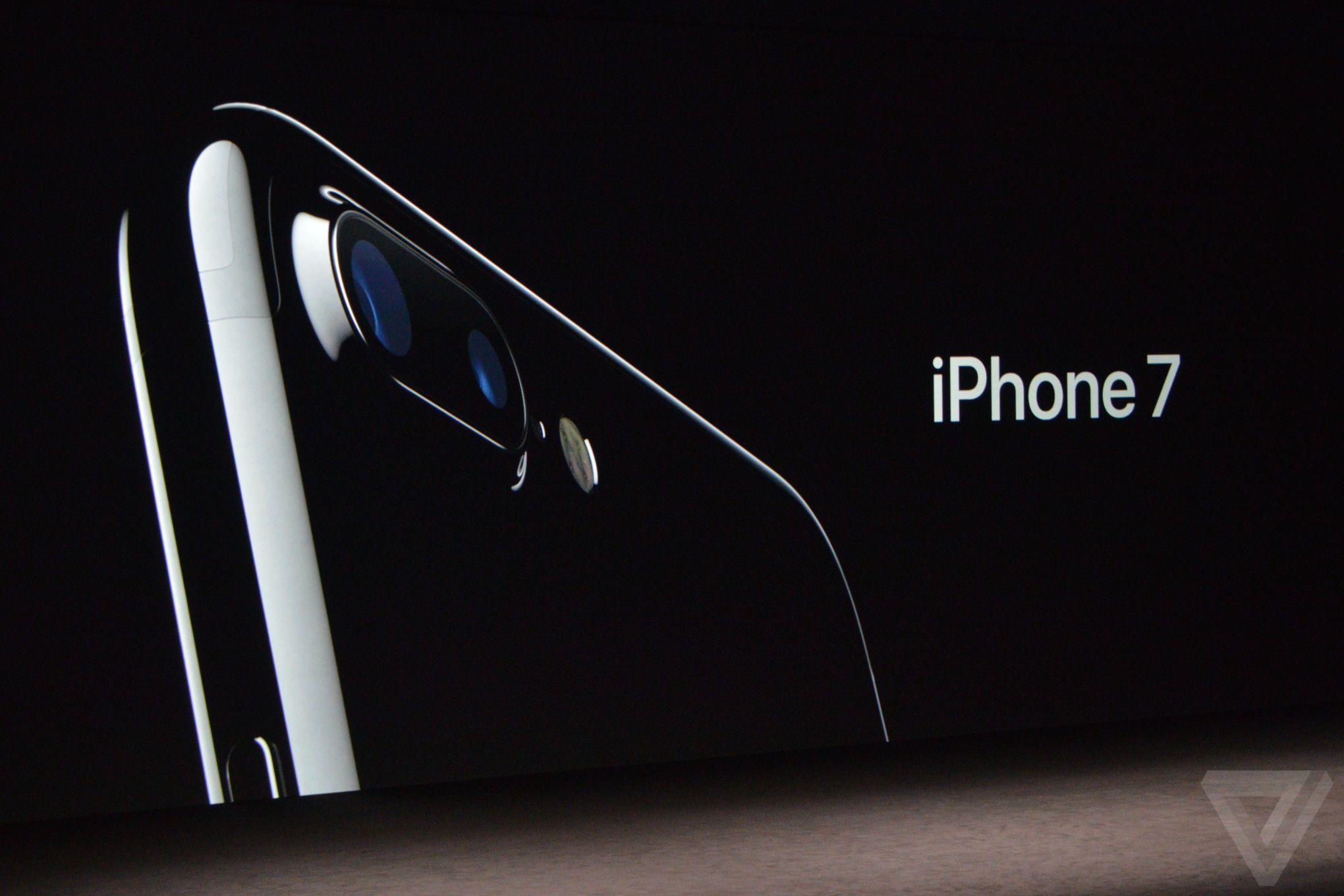 apple-iphone-watch-20160907-4624