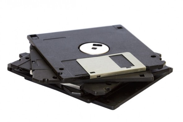 pile-of-floppy-disks-590x393