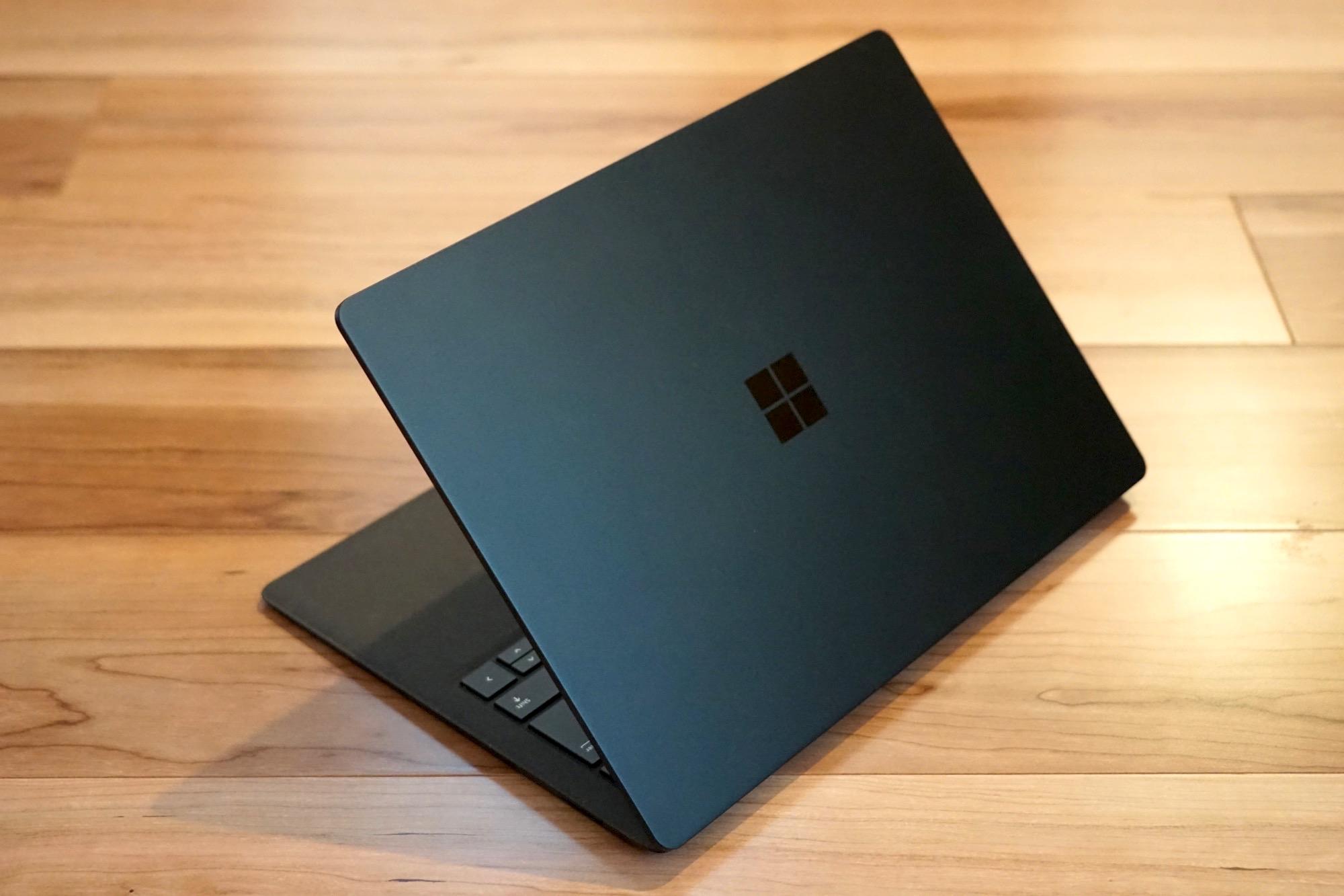 「Surface Laptop 2」の開封レビュー